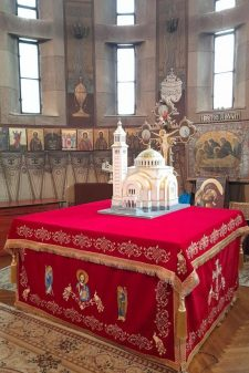acoperaminte sfanta biserica rosu 12